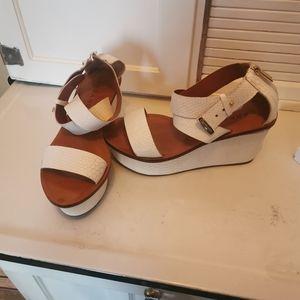 Carrano sandals